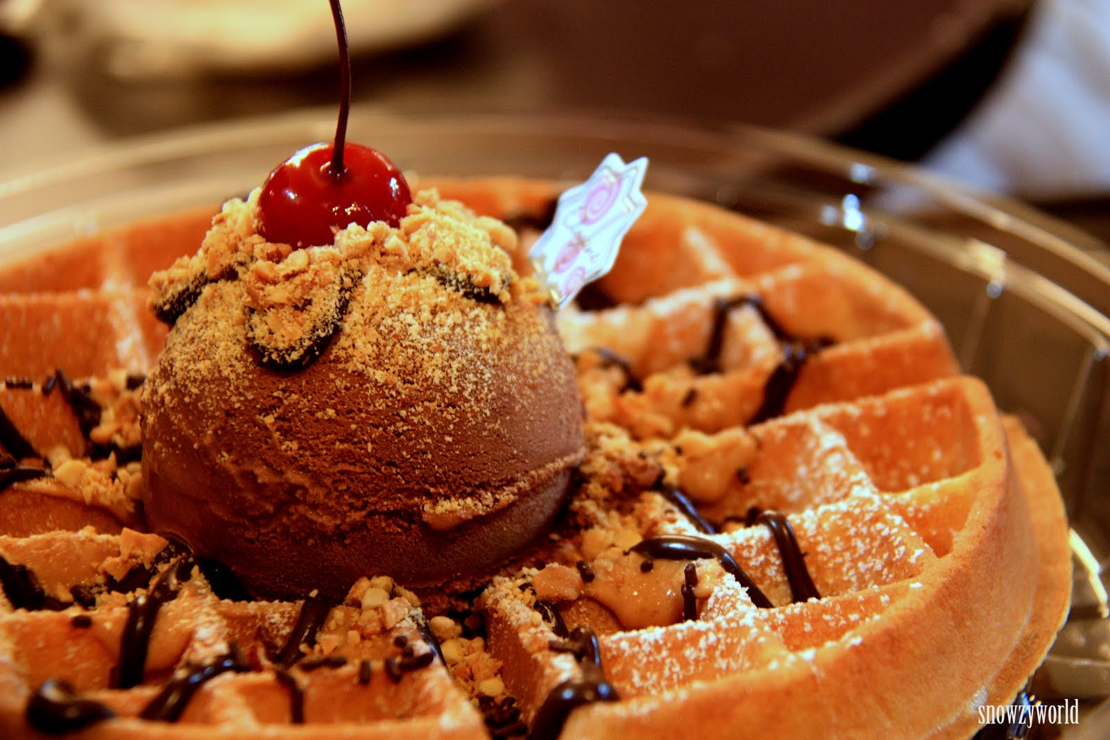 http://inkimprint.files.wordpress.com/2013/05/waffles-with-ice-cream.jpg